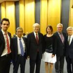 2013年優勝者ロマンさん(左端)、ズザナさん(右から3番目)